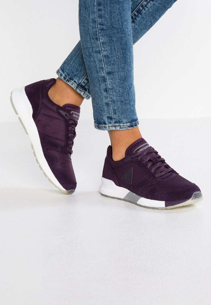 le coq sportif - OMEGA - Trainers - plum perfect/old silver