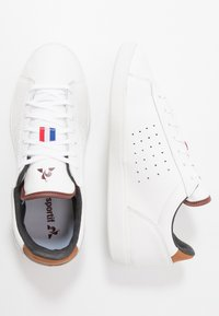 le coq sportif - COURTSTAR  - Zapatillas - optical white/cinnamon - 1