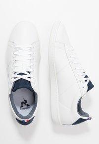 le coq sportif - COURTCLASSIC - Zapatillas - optical white/dress blue - 1