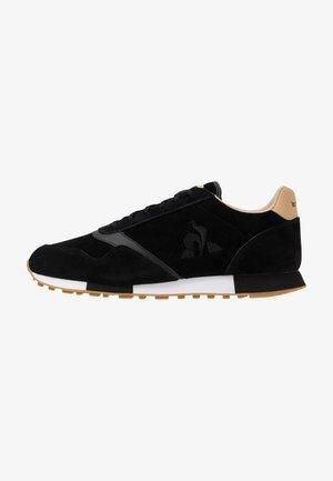 DELTA PREMIUM - Sneakersy niskie - black