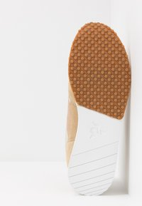 le coq sportif - JAZY CLASSIC  - Zapatillas - turtle dove/croissant - 4