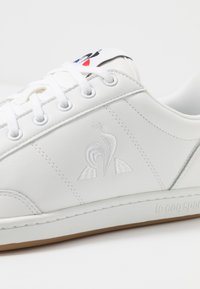 le coq sportif - COURT CLAY BOLD - Sneakers - optical white - 5