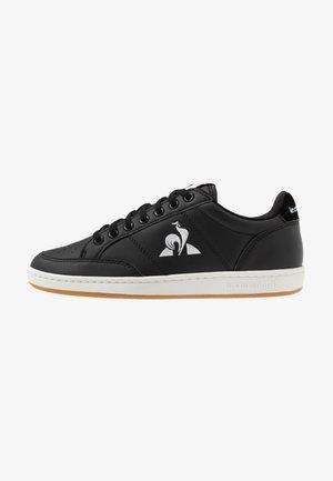 COURT CLAY BOLD - Sneakersy niskie - black
