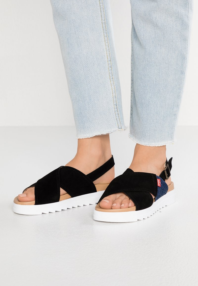 Levi's® - PERSIA - Plateausandalette - regular black
