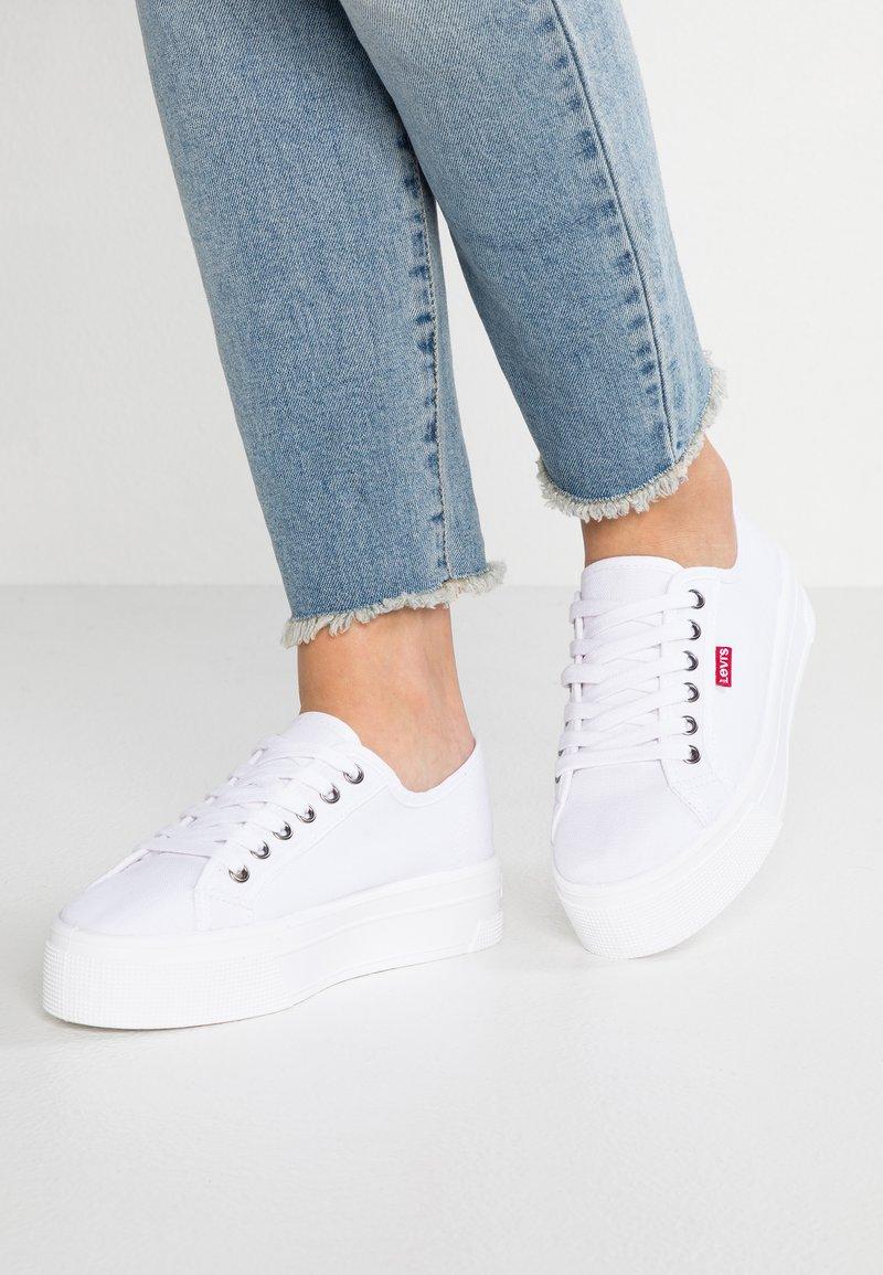 Levi's® - TIJUANA - Zapatillas - brilliant white