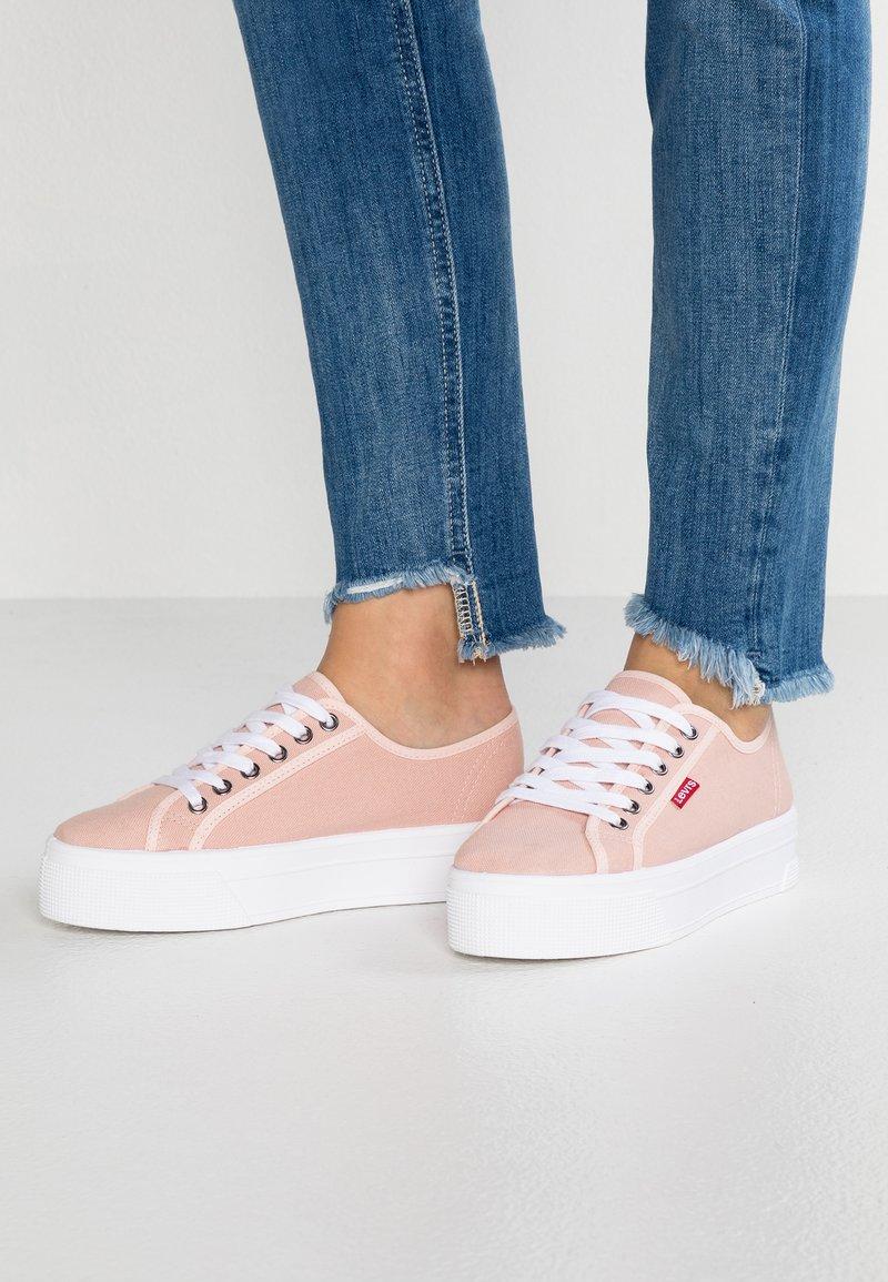 Levi's® - TIJUANA - Sneaker low - light pink