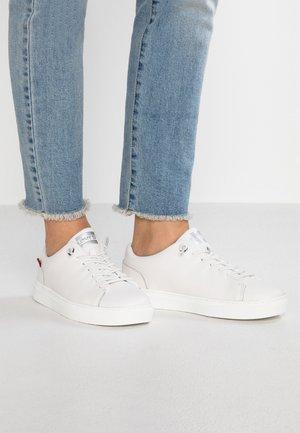VERNON - Tenisky - regular white
