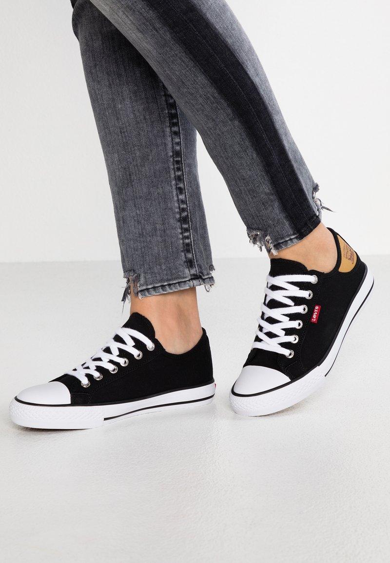 Levi's® - STAN BUCK LADY - Sneakers - regular black
