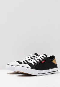Levi's® - STAN BUCK LADY - Sneakers - regular black - 4