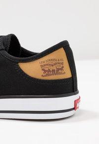 Levi's® - STAN BUCK LADY - Sneakers - regular black - 2
