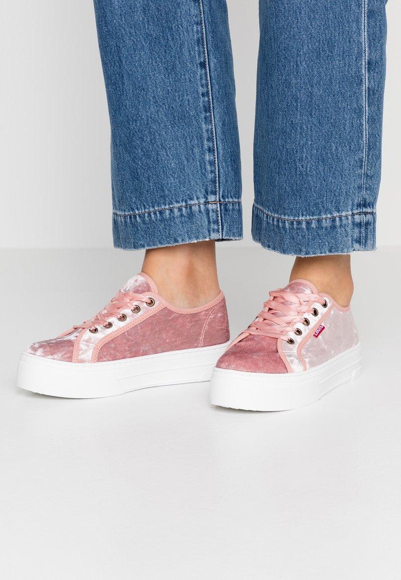 Levi's® - TIJUANA - Trainers - regular pink