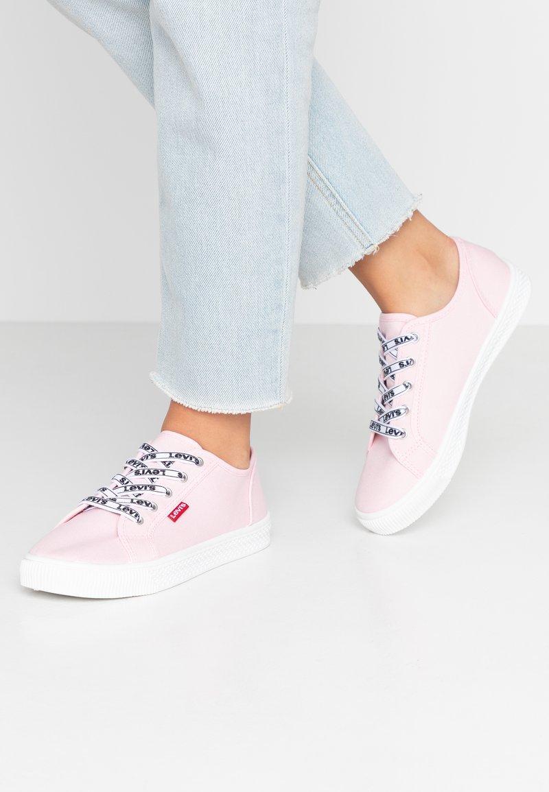 Levi's® - MALIBU BEACH - Sneakers - regular pink