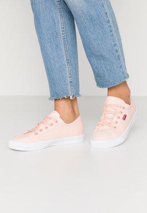 MALIBU BEACH - Baskets basses - light pink