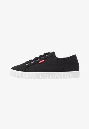 MALIBU BEACH - Sneakersy niskie - regular black