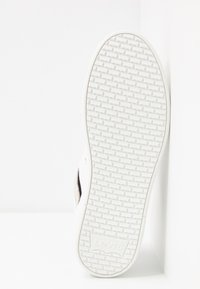 Levi's® - MULLET  - Trainers - regular white - 6