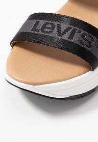 Levi's® - LAGUNITA - Platåsandaler - regular black - 2
