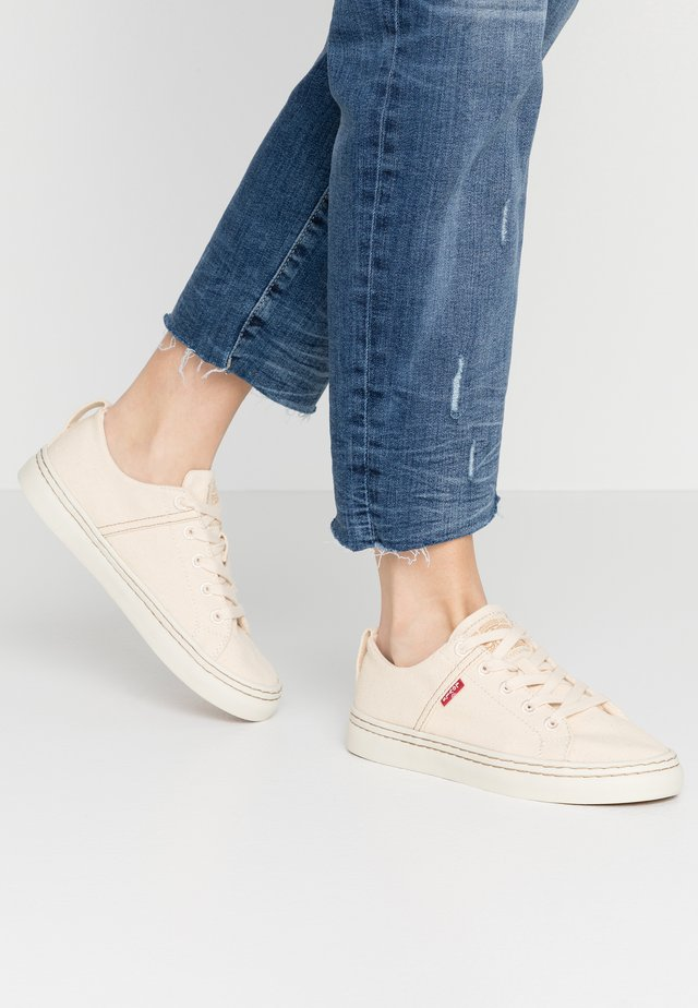 SHERWOOD S LOW - Zapatillas - regular white