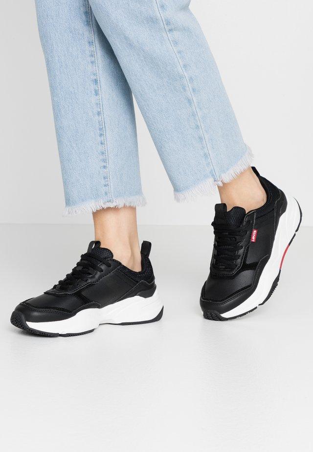 WEST - Sneakersy niskie - regular black