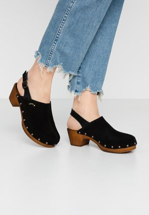 MARTHA MULE - Zoccoli - regular black