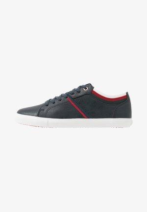 WOODS COLLEGE - Sneaker low - navy blue