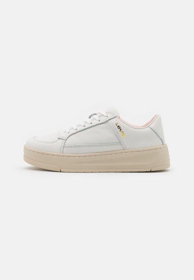 SILVERWOOD - Sneaker low - regular white