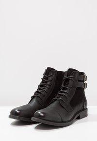Levi's® - MAINE W BUCKLE - Cowboystøvletter - regular black - 2