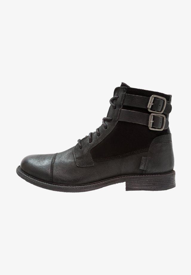 MAINE W BUCKLE - Cowboy/biker ankle boot - regular black