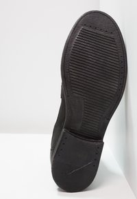 Levi's® - MAINE W BUCKLE - Cowboystøvletter - regular black - 4