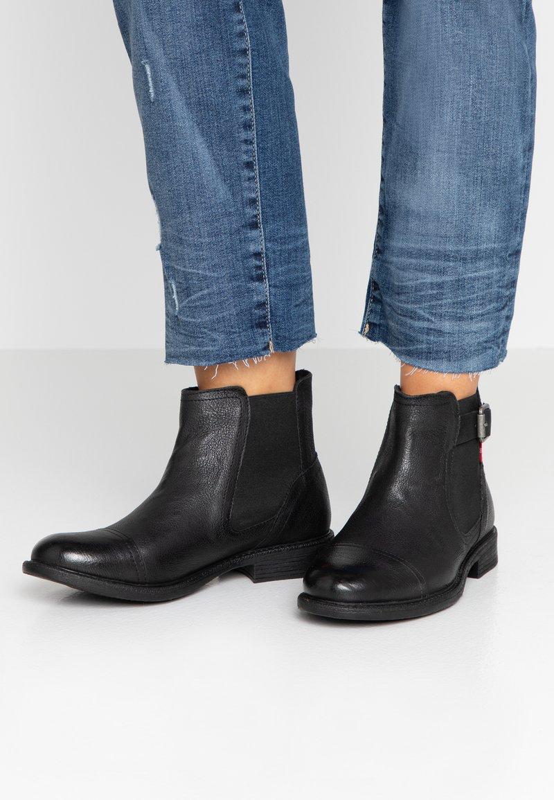 Levi's® - MAINE CHELSEA - Botines bajos - regular black