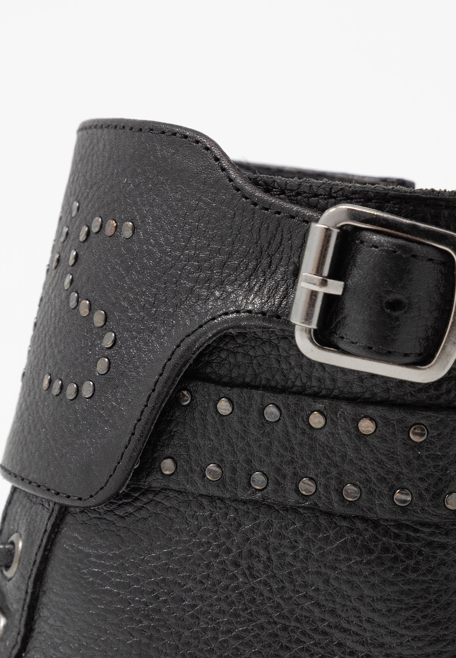 Levi's® SLY STUDS - Santiags regular black