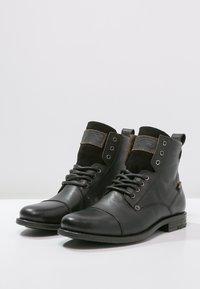 Levi's® - EMERSON  - Bottines à lacets - regular black - 2