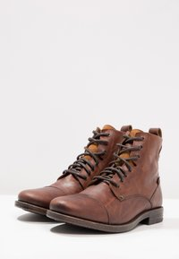 Levi's® - EMERSON - Bottines à lacets - medium brown - 2