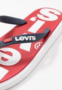 Levi's® - DELAMAR - Pool shoes - brilliant red - 6
