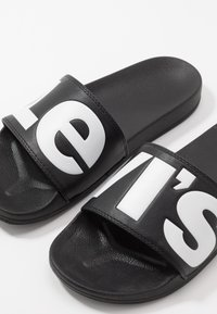Levi's® - JUNE - Ciabattine - regular black - 5