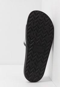 Levi's® - JUNE - Ciabattine - regular black - 4