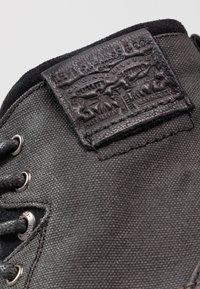 Levi's® - FOWLER - Bottines à lacets - regular black - 5