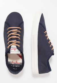 Levi's® - EDWARDS - Sneakers basse - navy blue - 1
