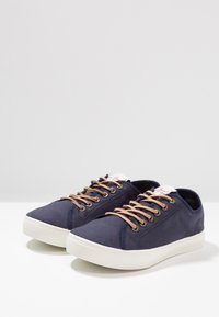 Levi's® - EDWARDS - Sneakers basse - navy blue - 2