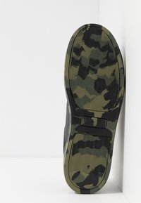 Levi's® - VERNON SPORTSWEAR - Sneakers basse - regular black - 4
