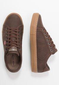 Levi's® - WOODWARD SPORTSWEAR - Sneaker low - brown - 1