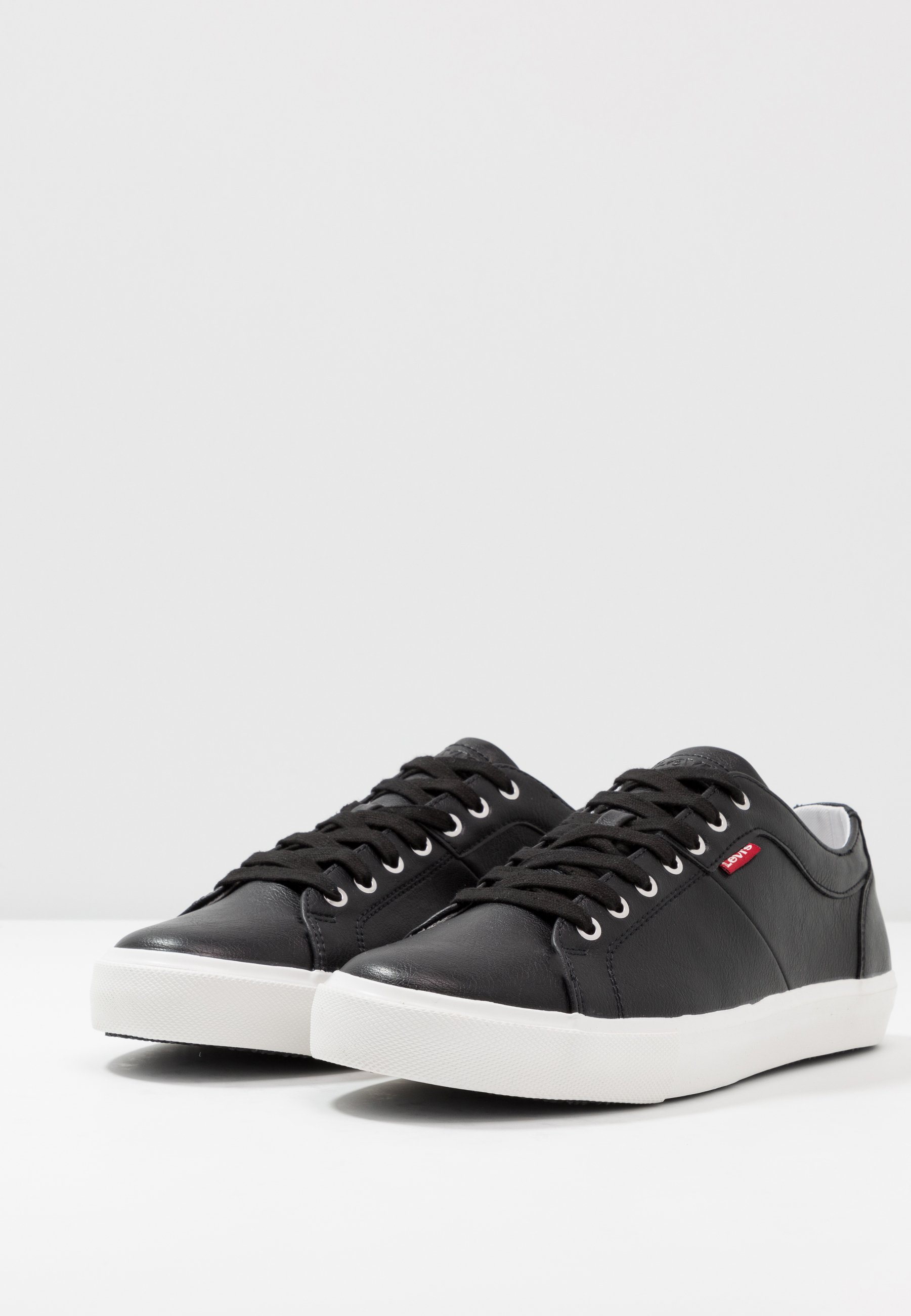 Levi's® WOODWARD - Baskets basses - regular black