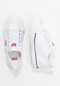 Levi's® - MAUI CVS K - Zapatillas - white - 0