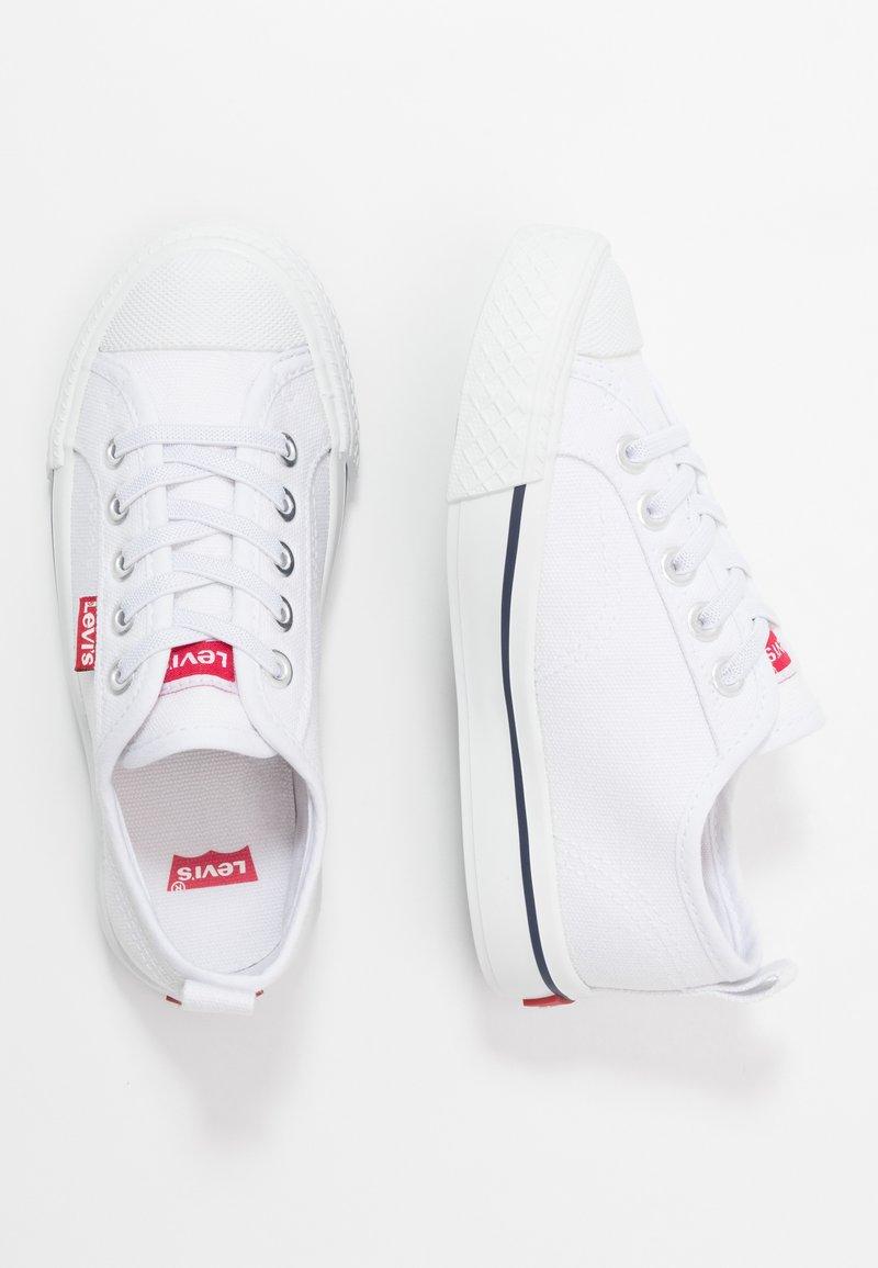 Levi's® - MAUI CVS K - Zapatillas - white