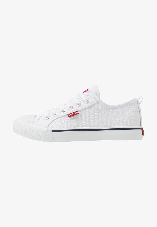 MAUI - Zapatillas - white
