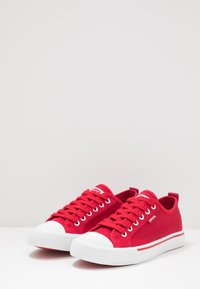 Levi's® - MAUI - Trainers - red - 2
