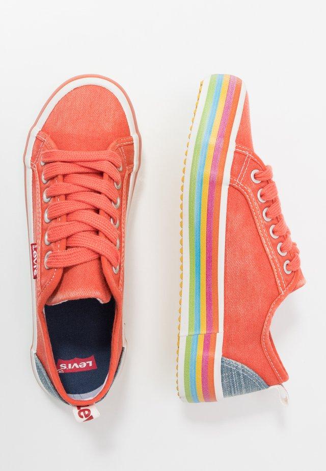 PEARL - Sneakers laag - orange