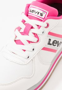 Levi's® - HOLLYWOOD  - Baskets basses - white/pink - 5