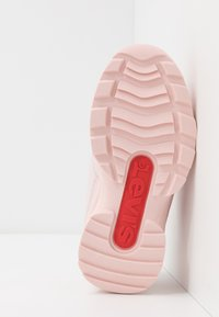 Levi's® - SOHO - Sneaker low - light pink - 5
