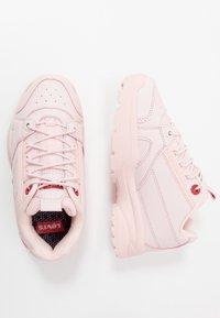 Levi's® - SOHO - Sneaker low - light pink - 0