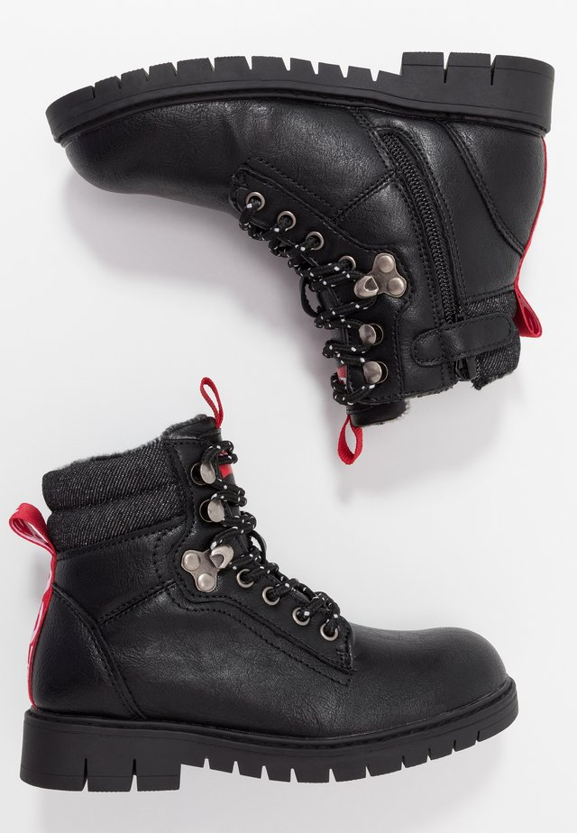 HIGH SIERRA - Botines con cordones - black